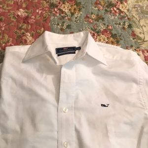 Mens like new white vineyard vines shirt